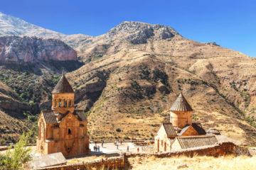 Kirchen - Klöster – Kognak und Karawansereien